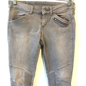 Divided | gray skinny moto jeans with zipper
